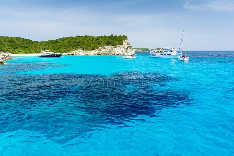 Schönes blaues Meer auf Antipaxos-Insel, Griechenland lizenzfreies stockbild
