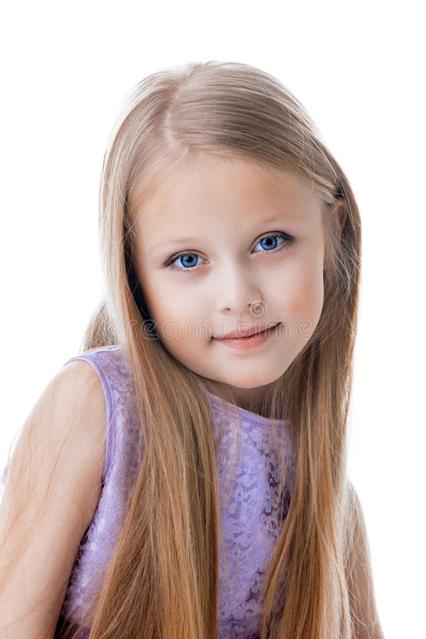 Schönes Blondes Kleines Mädchen Im Purpurroten Kleid Stockbild ...
