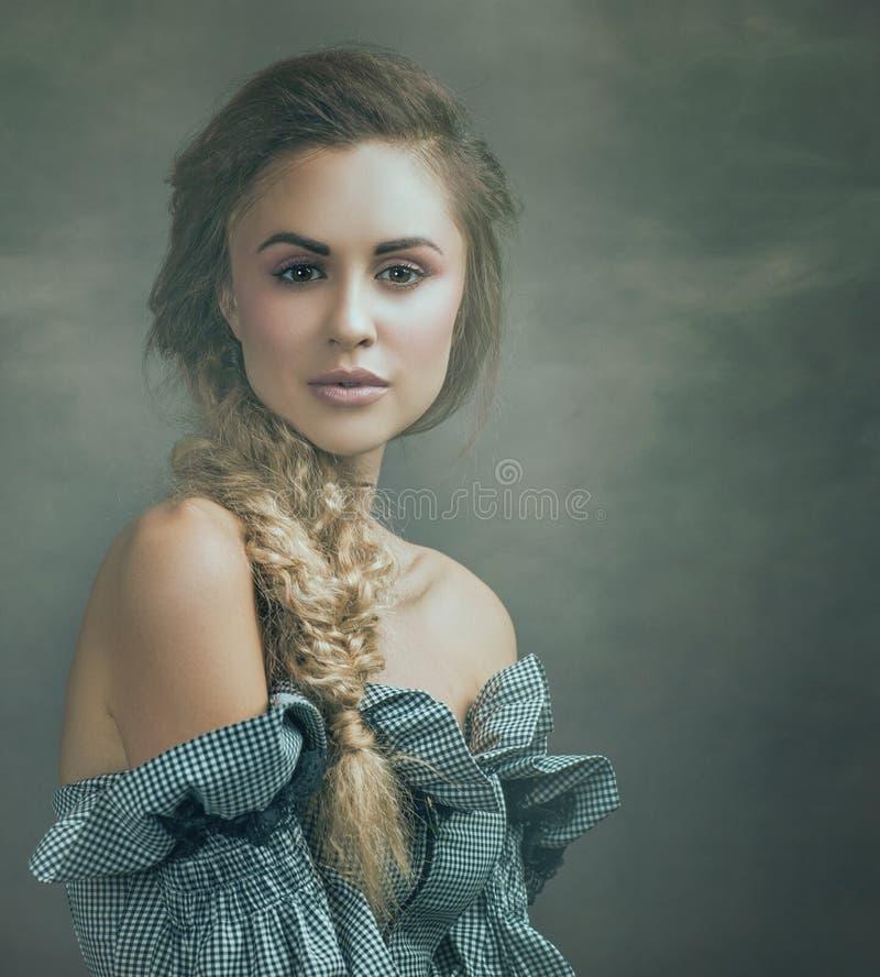 Schönes blondie lizenzfreie stockfotografie