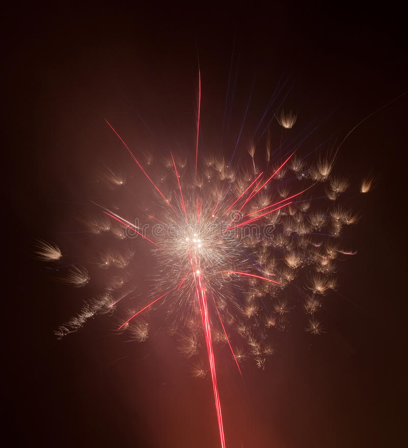 Schönes buntes Feuerwerk stockfotografie