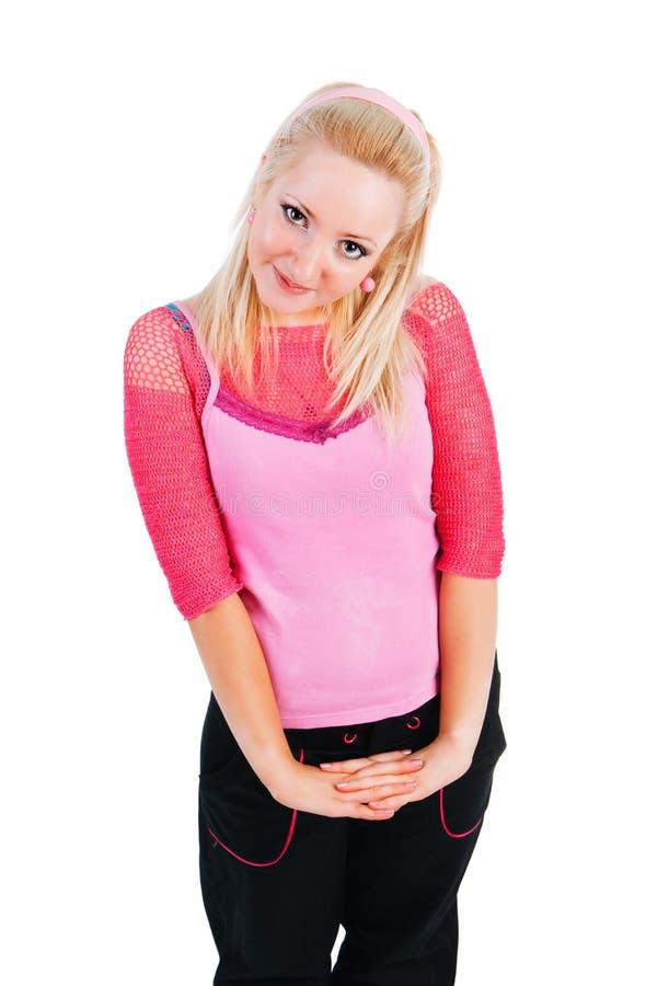 Schönes entzückendes lächelndes Mädchen in der rosafarbenen Bluse stockfotos