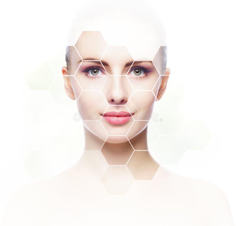 Schönes Gesicht des jungen und gesunden Mädchens Plastische Chirurgie, Hautpflege, Kosmetik und Face lifting-Konzept stockfotos