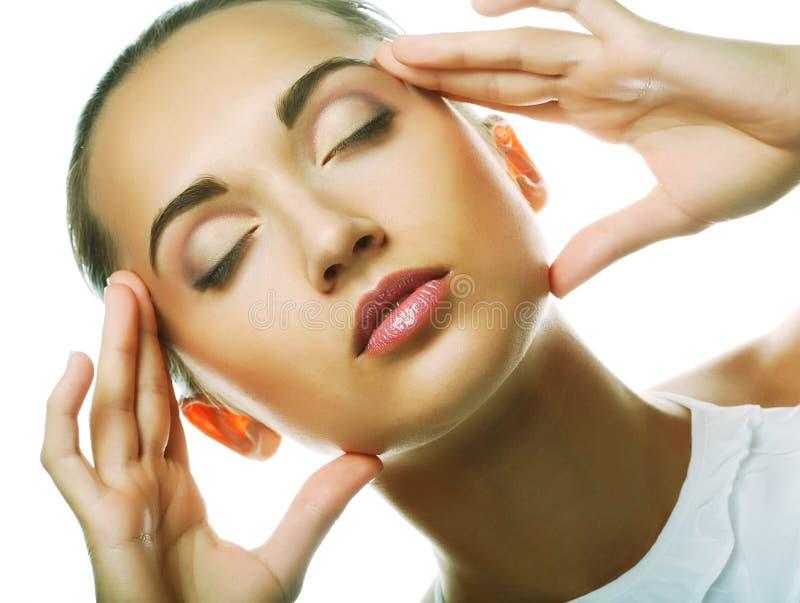 Schönes Gesundheitsfrauengesicht mit sauberer Reinheithaut lizenzfreie stockbilder