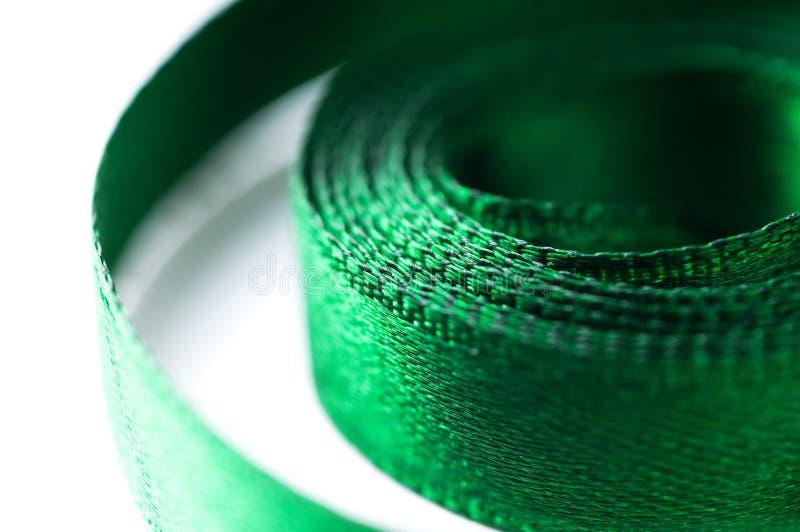 Schönes grünes Farbband getrennt stockbild