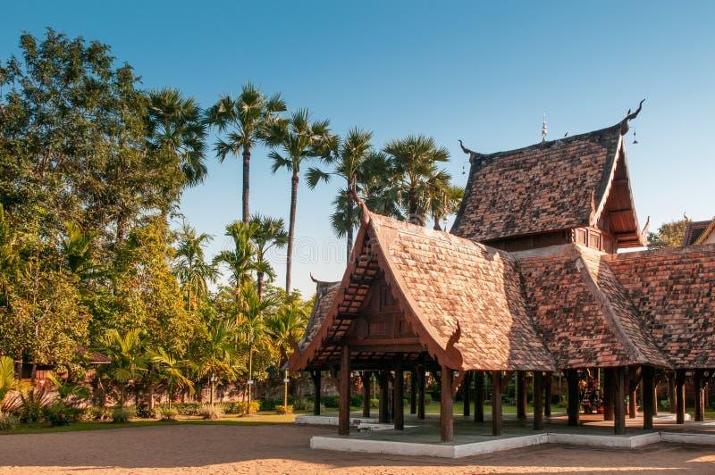Schönes hölzernes pavillion Wat Ton Kwens, Chiang Mai, Thailand lizenzfreies stockbild