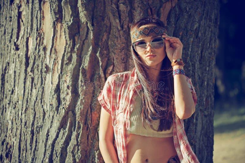 Schönes Hippiemädchen lizenzfreie stockfotografie