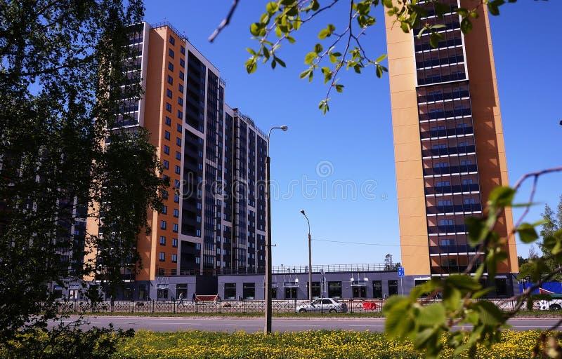 Schönes Hochhaushaus Appartement-Hochhaus Details der Glasfassade Details und Nahaufnahme lizenzfreie stockfotos