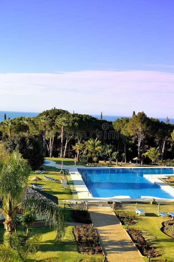 schönes Hotel TRH Paraiso in Estepona, Costa del Sol, Spanien stockbild