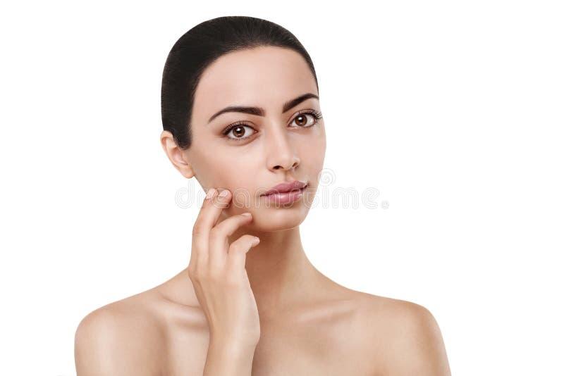Schönes indisches Mädchen mit perfekter Haut, sauberes Gesicht lizenzfreie stockfotografie