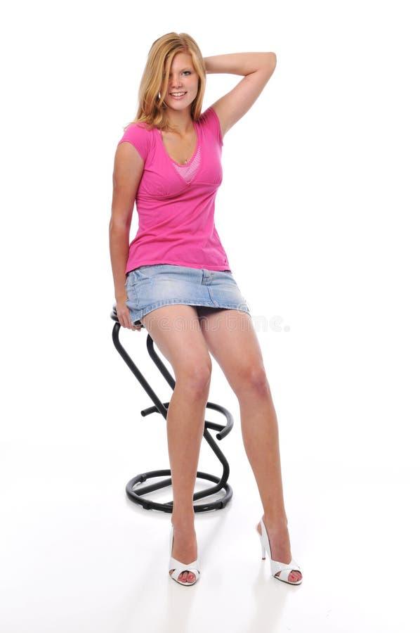 Schönes junges blondes lizenzfreie stockbilder