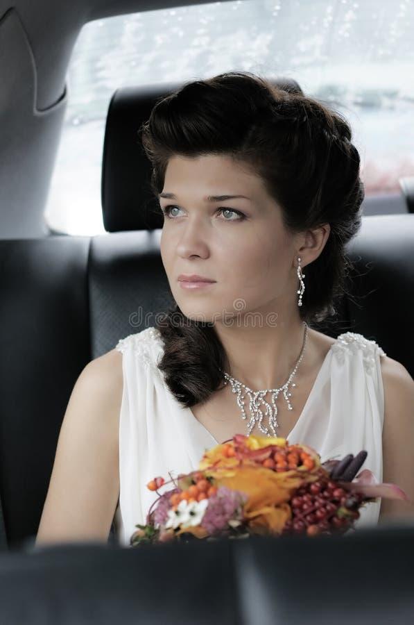Schönes junges Brautportrait lizenzfreies stockfoto