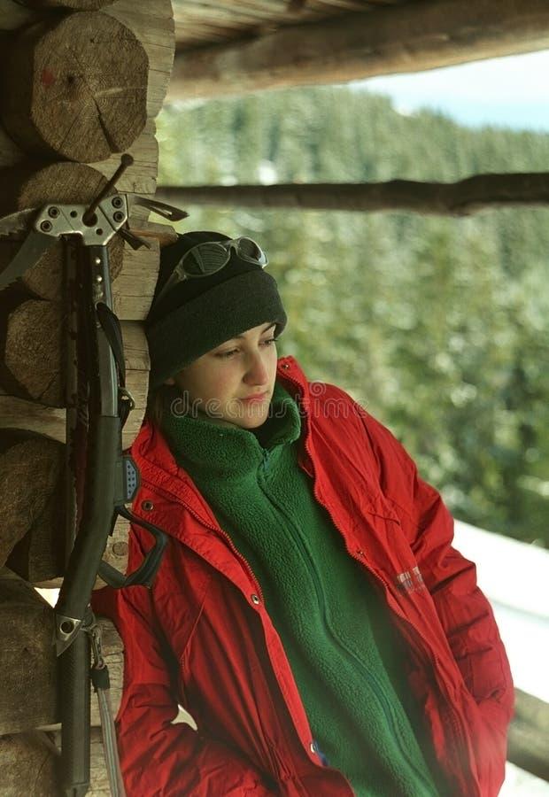 Schönes junges Wanderer-Stillstehen stockfotos