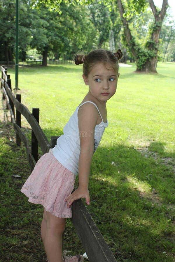 Bilder von Mädchen in Miniröcken