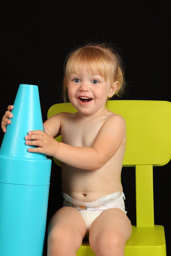 Schönes Lächeln des jungen Mädchens stockfotografie