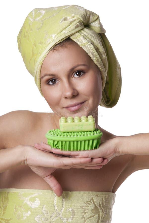 Download Schönes Mädchen In Einem Grünen Tuch Hält Bad Stockbild - Bild von gesicht, schönheit: 27727741