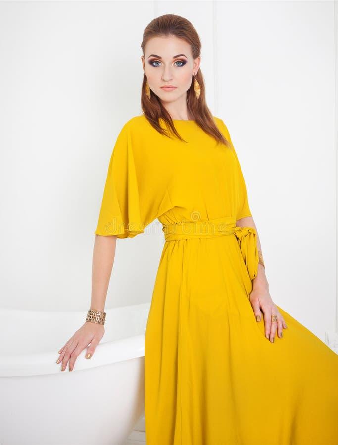 Gelbes kleid lang