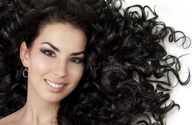 Schönes Mädchen mit dem schönen Haar stockfotografie
