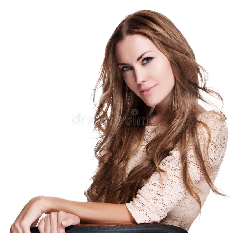 Download Schönes Mädchen Mit Den Langen Lockigen Haaren Stockbild - Bild von haar, attraktiv: 26365491