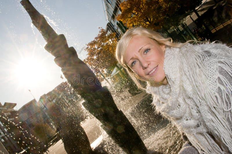 Schönes Mädchen in Oslo lizenzfreies stockfoto