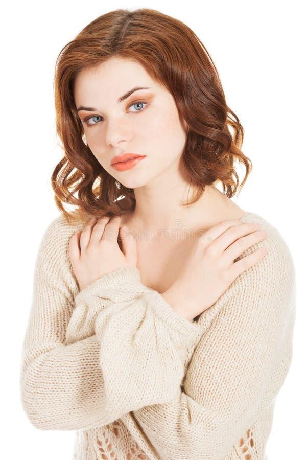 Schönes Porträt der jungen Frau lizenzfreies stockfoto
