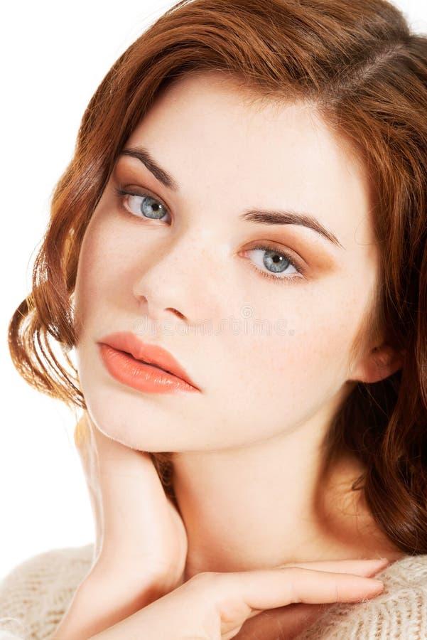 Schönes Porträt der jungen Frau stockbilder