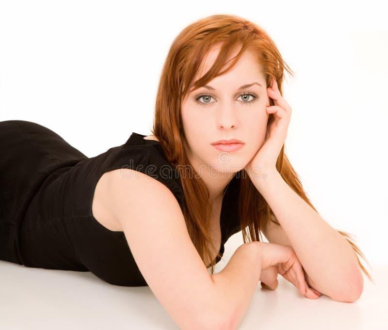 Schönes Redhead-Mädchen-Portrait stockfotos