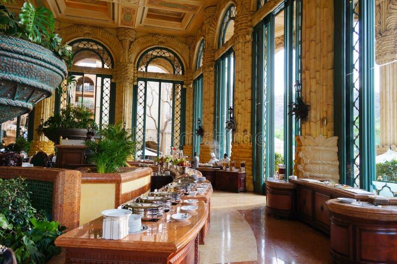 Schönes Restaurant zum Frühstück im Luxuspalast in Sun City lizenzfreie stockbilder
