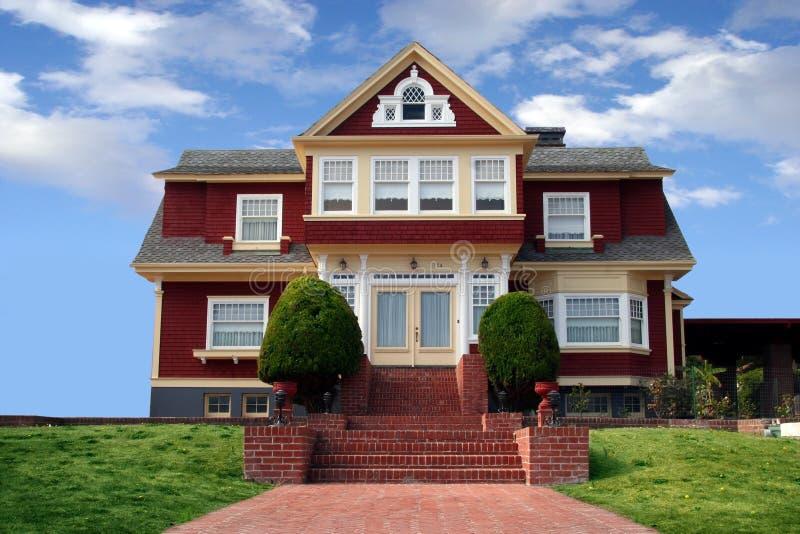 Schönes rotes Haus stockfotos