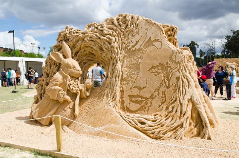 Schönes Sand-Skulptur ` Kaninchenbau ` in der Märchenlandausstellung, bei Blacktown Showground lizenzfreies stockfoto