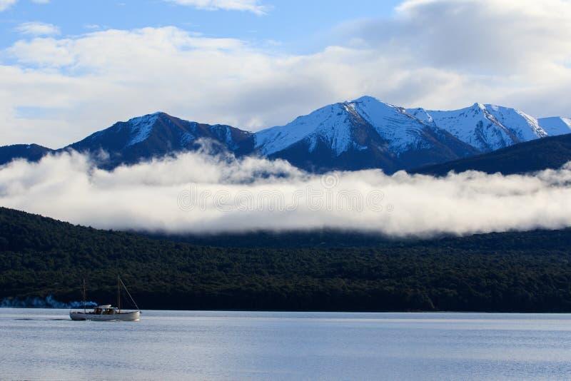 Schönes sceninc von See te anau Südinsel Neuseeland stockfotos