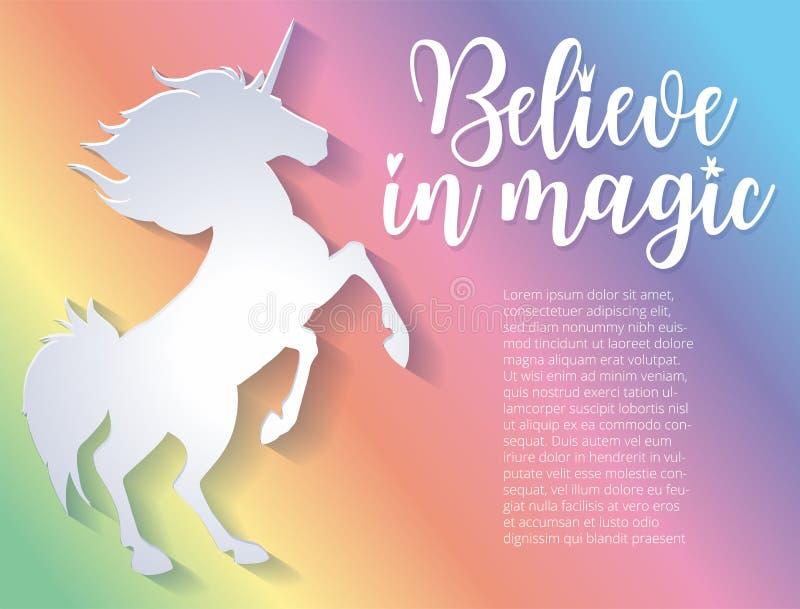 Schönes Schattenbild des Einhorns in der geschnittenen Papierart Bunter Regenbogenhintergrund Typografieplakat Glauben Sie an Mag stock abbildung