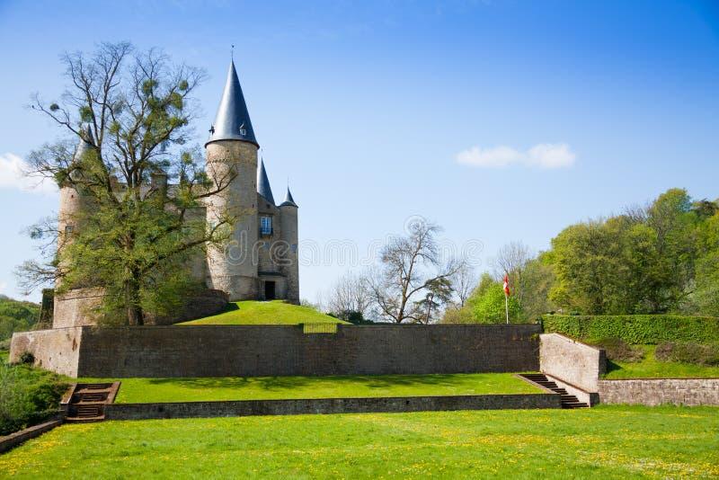 Schönes Schloss von Veves-Ansicht während des sonnigen Tages stockfotos