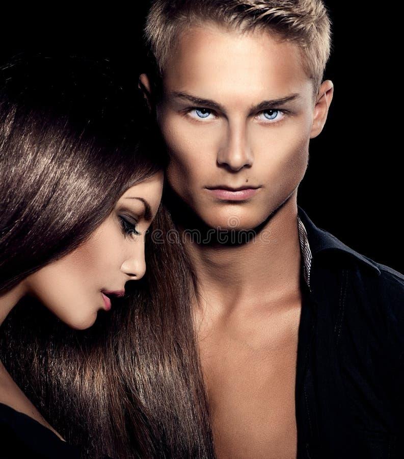 Schönes sexy Paarporträt stockfoto
