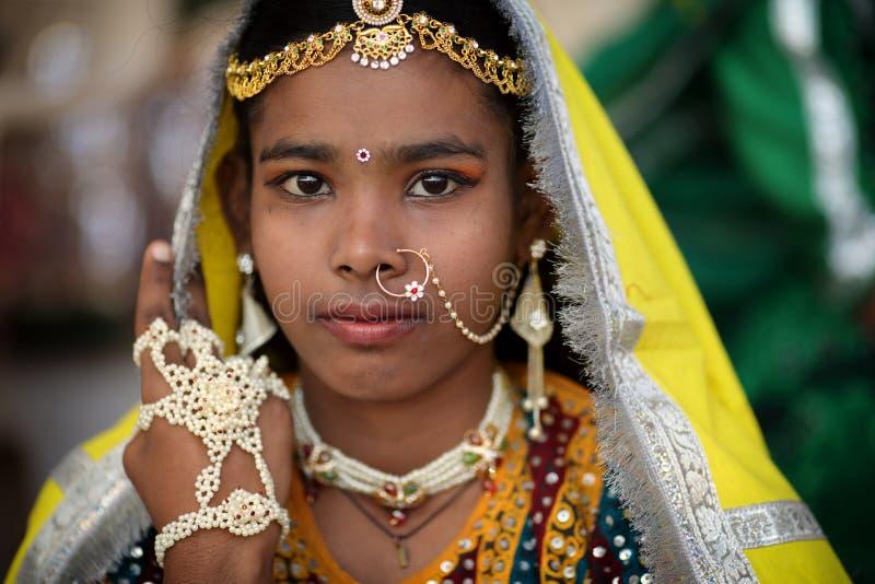 Schönes Stammes- Mädchen in Pushkar, Indien stockfotografie