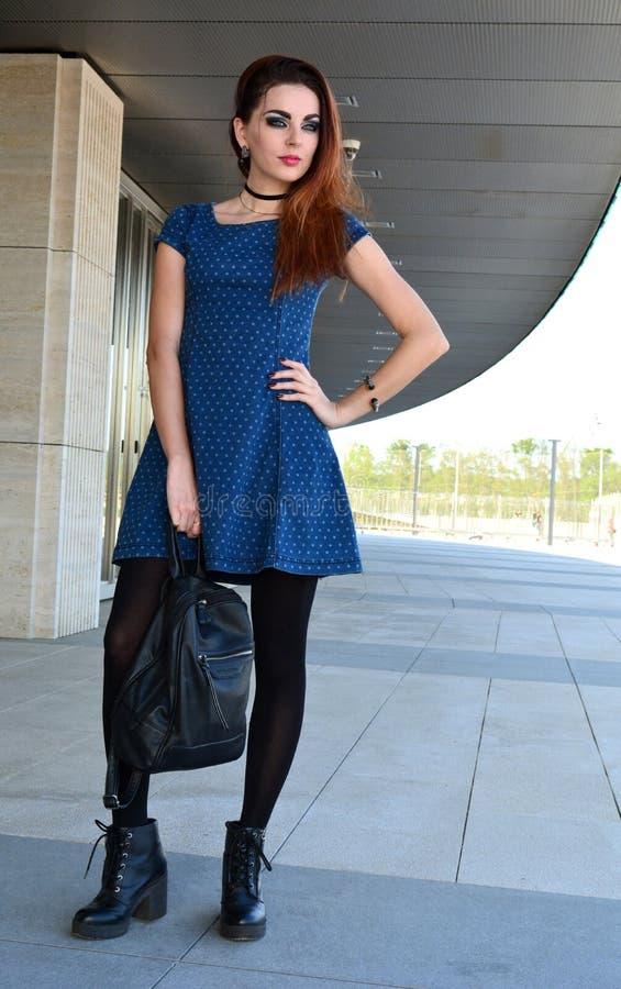 Blaues kleid 92