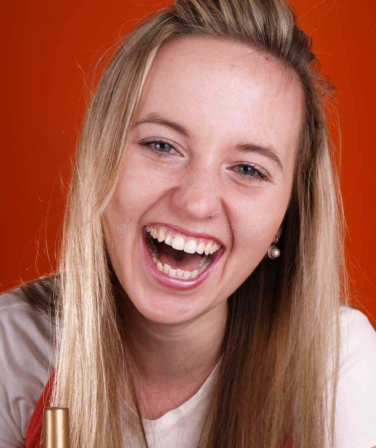 Schönes und glückliches Gesicht mit dem langen Haar stockfotografie