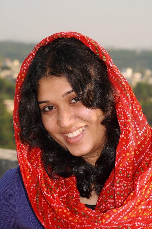 Schönes und helles Lächeln stockbild
