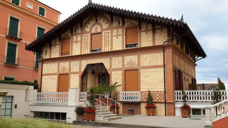 Schönes und historisches Landhaus in Italien lizenzfreie stockfotos