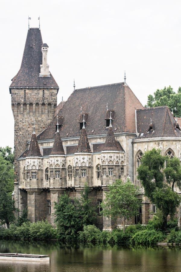 Schönes Vajdahunyad-Schloss in Budapest, Ungarn, kulturelles heri stockfoto