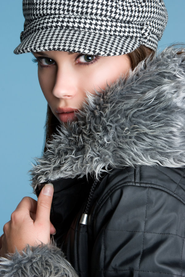 Schönes Winter-Mädchen lizenzfreies stockfoto