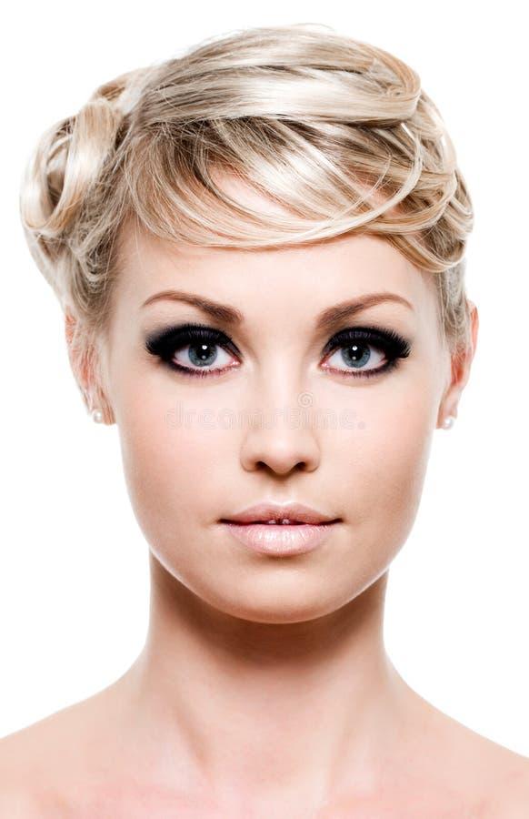 Schönheit des Gesichtes der Frau stockfotografie