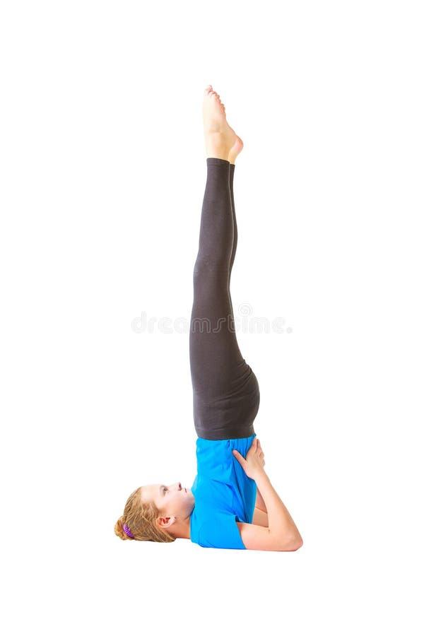 Schönheit, die yoguna Weißhintergrund tut stockfotos