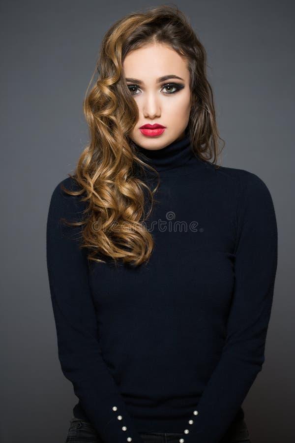 Schönheit im festlichen Make-up lizenzfreies stockfoto