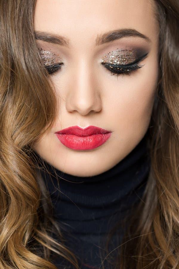 Schönheit im festlichen Make-up stockbilder