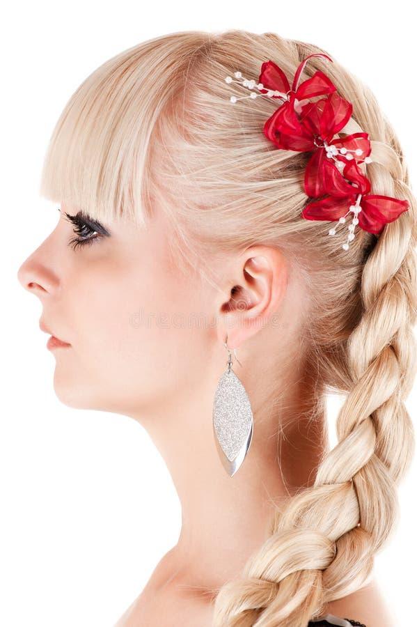 Schönheit mit dem gesunden Haar lizenzfreie stockbilder