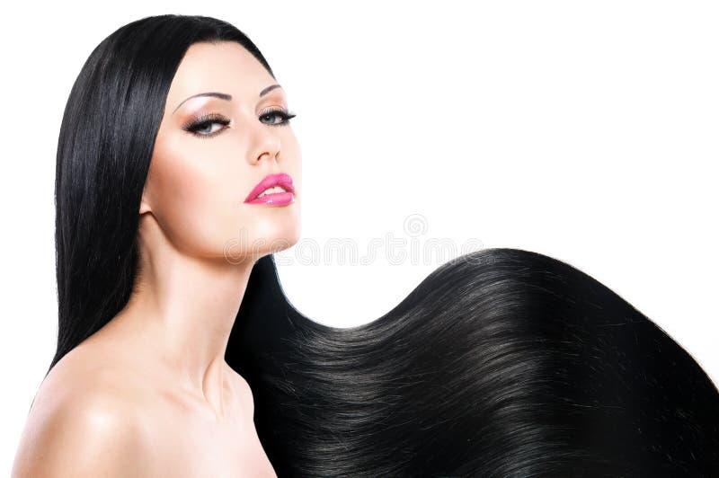 Schönheit mit dem langen schwarzen Haar stockbilder