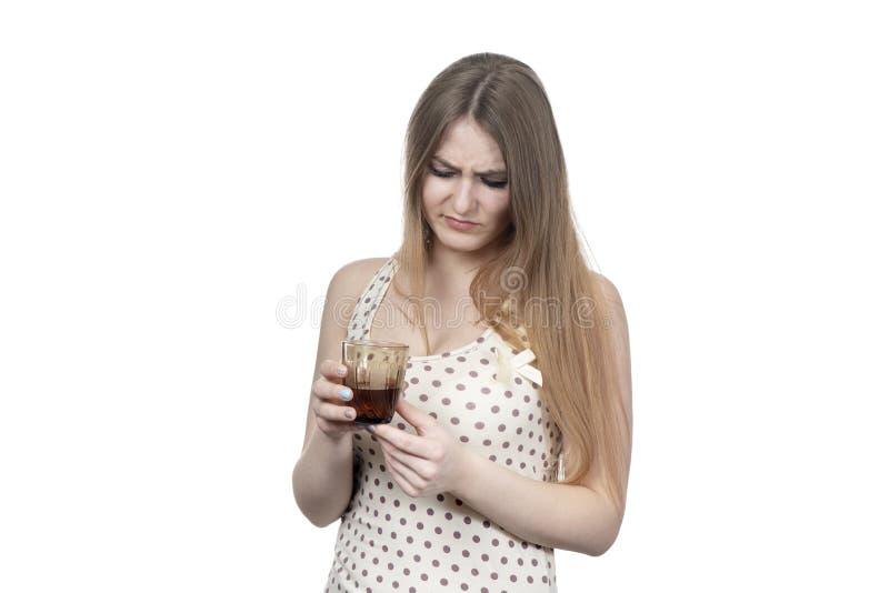 Schönheit mit einem Glas Alkohol stockbilder