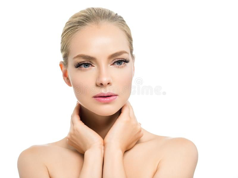 Schönheit mit Schönheitsgesicht des blonden Haares des Makes-up der gesunden Haut natürlichem mit Schönheitspeitschen und den ros stockbild