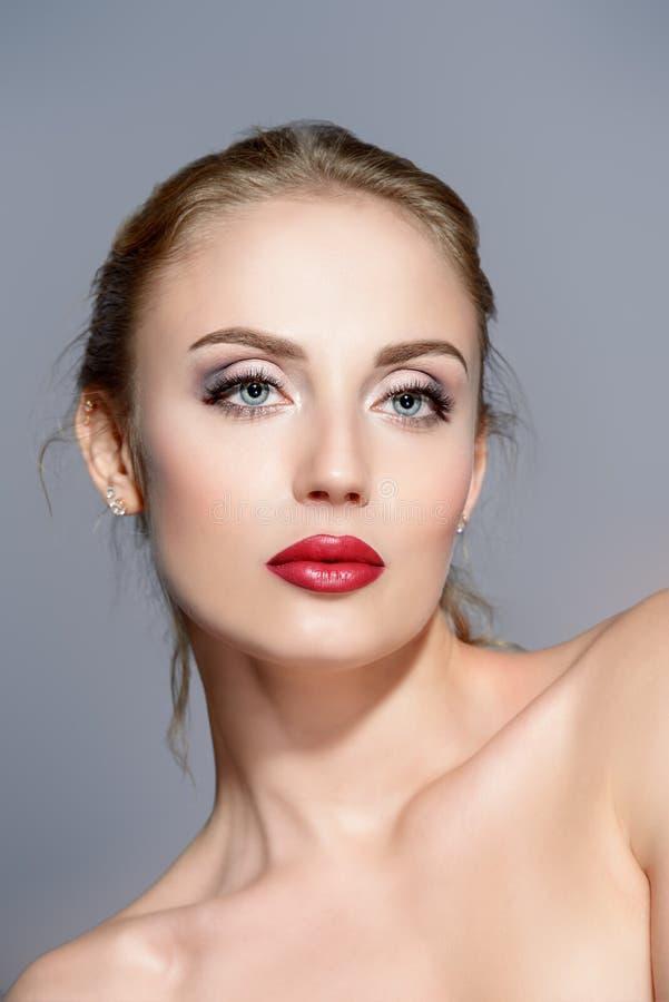 Schönheit und Make-up lizenzfreie stockbilder