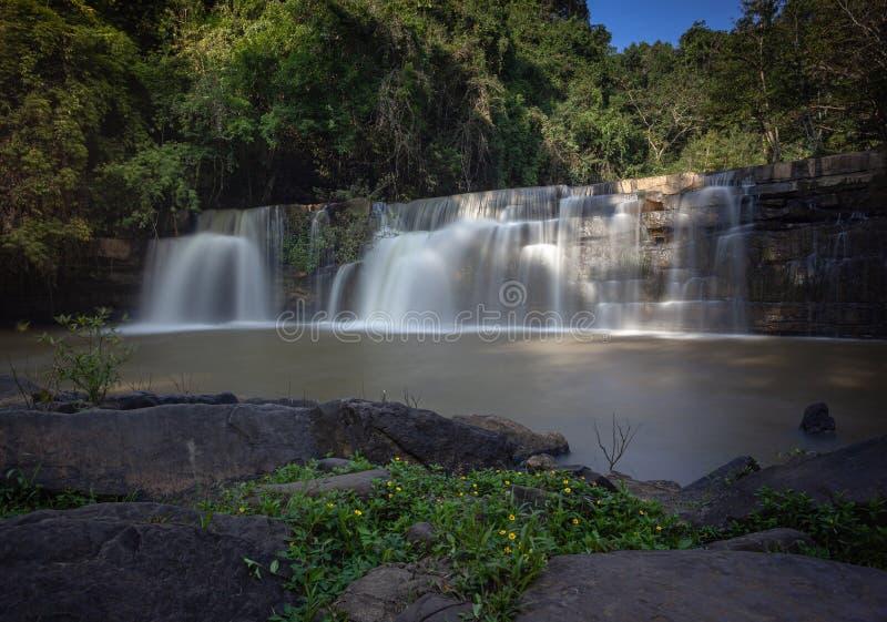 Schönheit von Sridit-Wasserfall an Khao-kho Phetchabun, Thailand lizenzfreie stockfotos